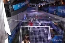 Terrain de football improvisée dans Le Players