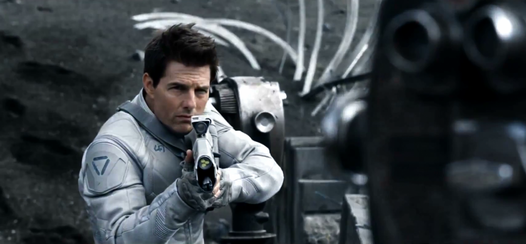 Oblivion-Trailer-2013-Tom-Cruise-1600x745