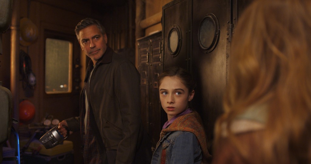 TOMORROWLAND-A-LA-POURSUITE-DE-DEMAIN-Image-3-du-film-Disney-George-Clooney-Go-with-the-Blog